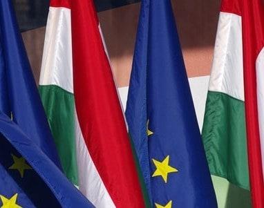 uni_magyar_zaszló